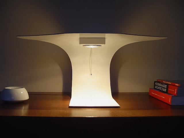 Cool Table Lamp Inspired Cool Table Lamp Inspired front view of Simple and Modern Table Lamp Inspired by Manta Ray