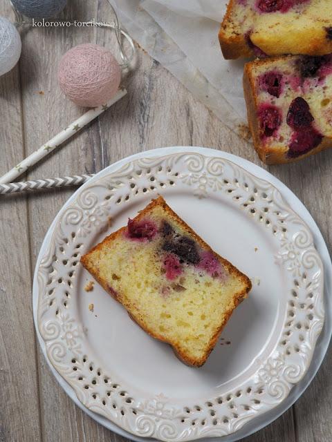 jogurtowe-ciasto-z-wiśniami
