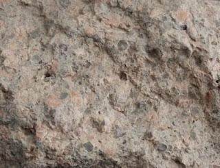 Gefüge: fein bis grobkörnig, schlechte Sortierung des Korns