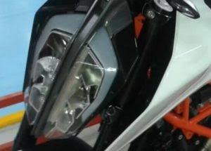 2017 KTM Duke 390 Headlight image