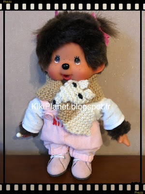 Une écharpe renard faite main pour Kiki ou Monchhichi, tricot, handmade, vêtements poupée
