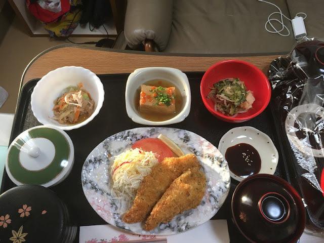 Страви в пологовому будинку в Японії
