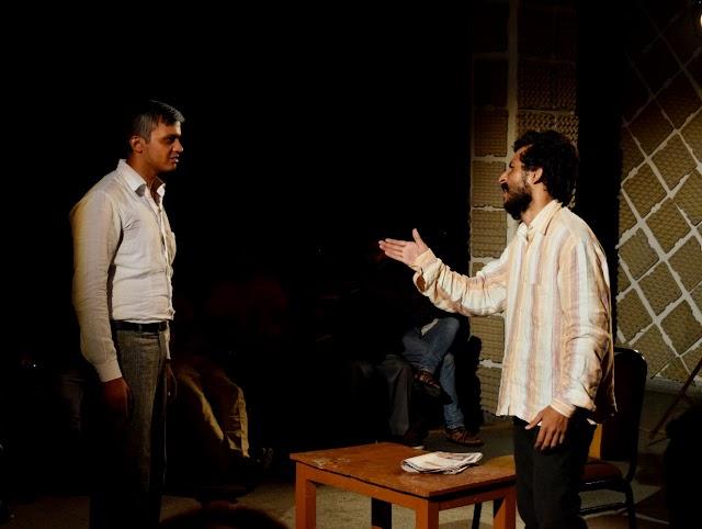 सच्चाई की बरबादी में भी उमीद की एक किरन दिखाता नाटक 'नायक [नाट्य प्रस्तुति]