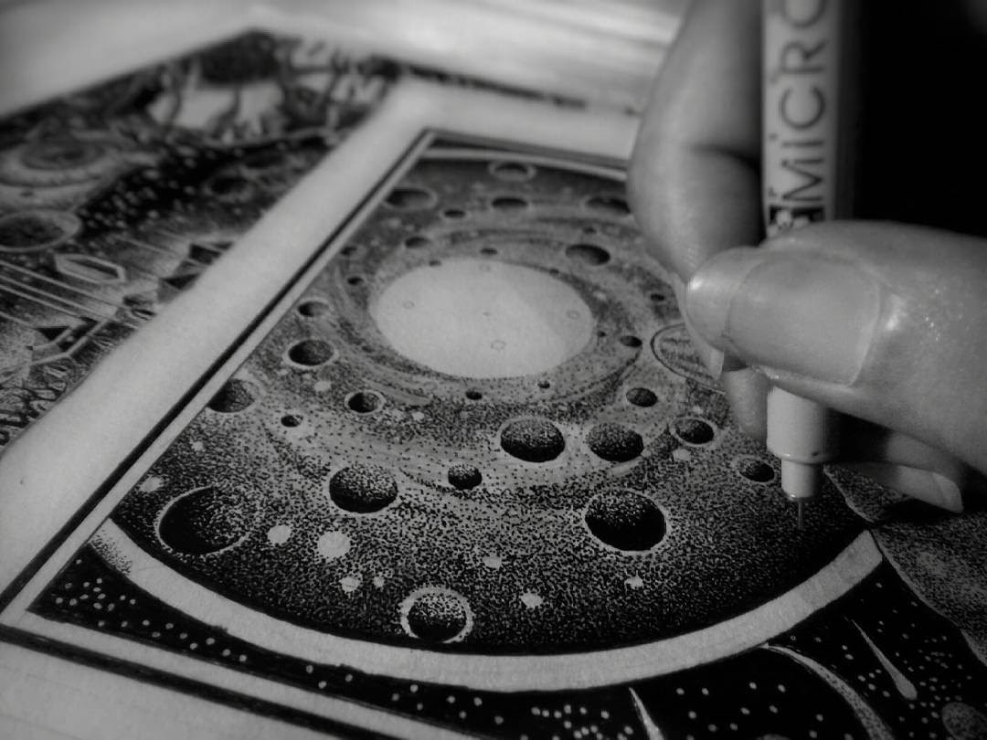 10-Closeup-Detail-G-A-Yuangga-Fineliner-Stippling-Drawings-www-designstack-co