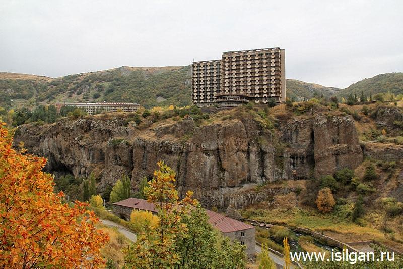 Arka-ZHelanij-Gorod-Dzhermuk-Armeniya