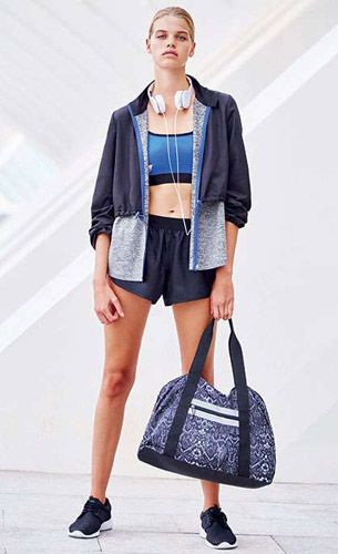 pantalones cortos deportivos y bolsa deportiva mujer Primark
