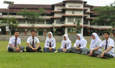 Islamic School Bogor SMA Dwi Warna