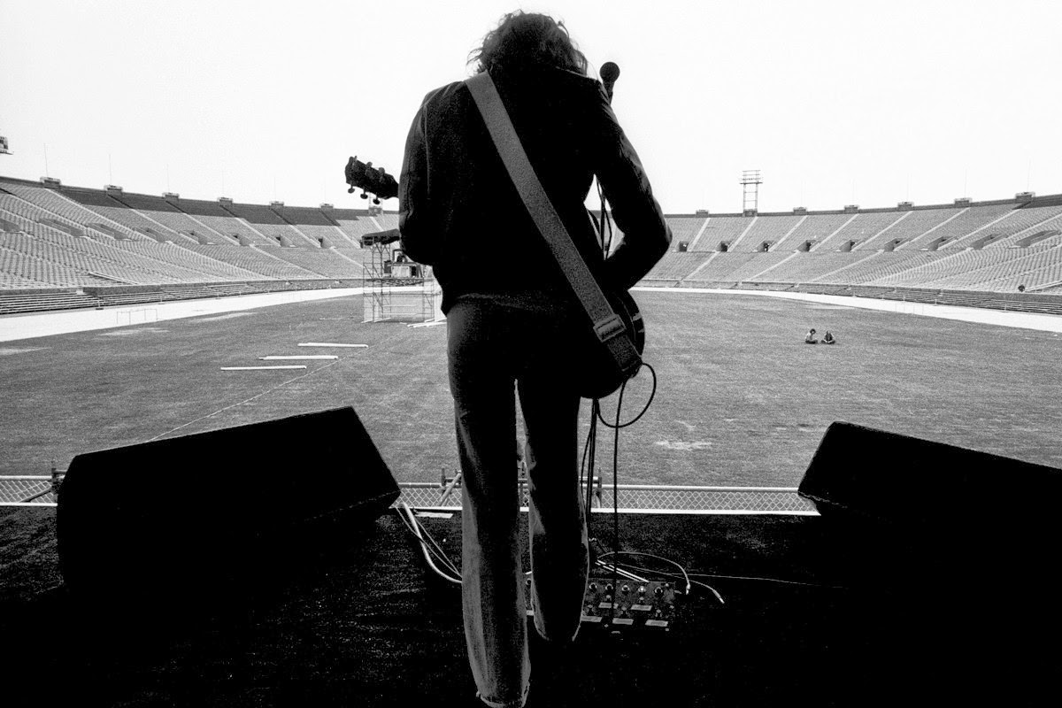 444c93ee09 Peter Frampton Soundchecking at JFK Stadium, June 12, 1976 | BlueisKewl