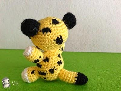 pequeño leopardo amigurumi