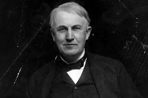8.Thomas-Edison-Smartest-People-in-History