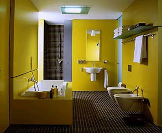 Baño color amarillo