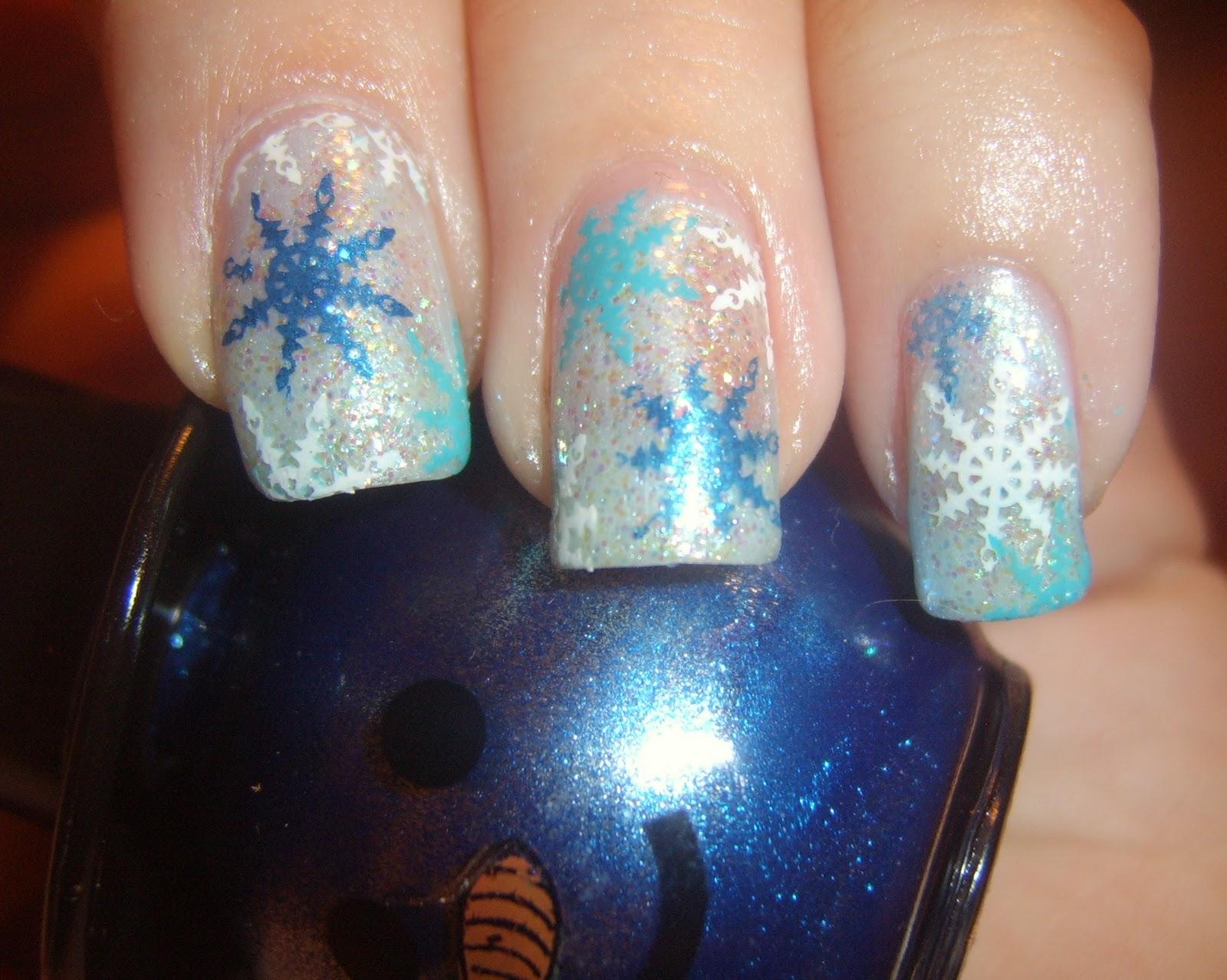 Nails Art: Snowflake nail art design