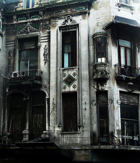 Edificio antiguo denota sus años