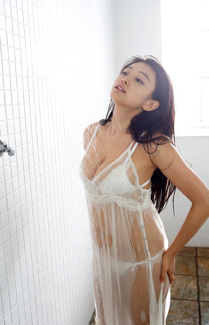 mari yamachi sexy bikini pics
