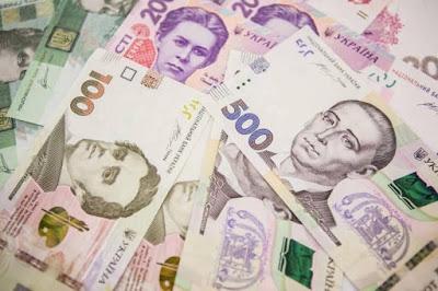 Експерт розвінчав заяву міністра про зростання зарплат і зменшення цін