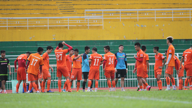 Đội tuyển Việt Nam có mặt tại Cần Thơ, chuẩn bị cho trận đấu với Avispa Fukuoka