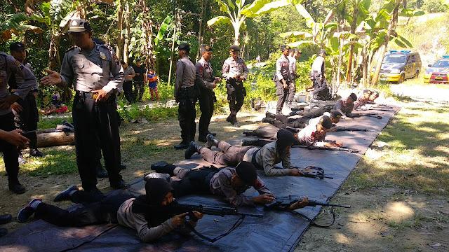 Door!!!! Sat Sabhara Polres Kebumen Latihan Menembak