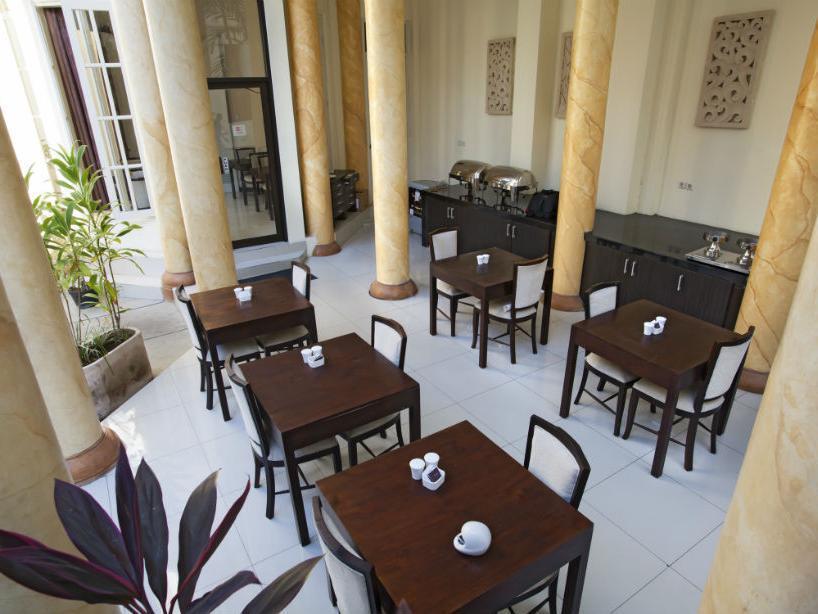 Next Tuban Hotel 7