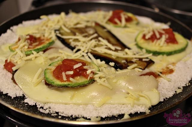 Pizza de frigideira  de berinjela e abobrinha