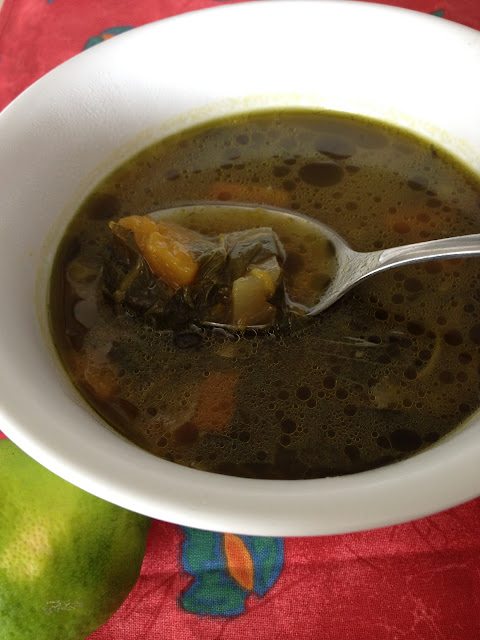 sweet kwisine, cuisine antillaise, soupe verte, herbages, martinique, guadeloupe, cuisine légère, soupe zabitant