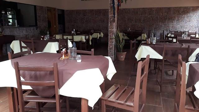 Aluga-se prédio para restaurante ou eventos
