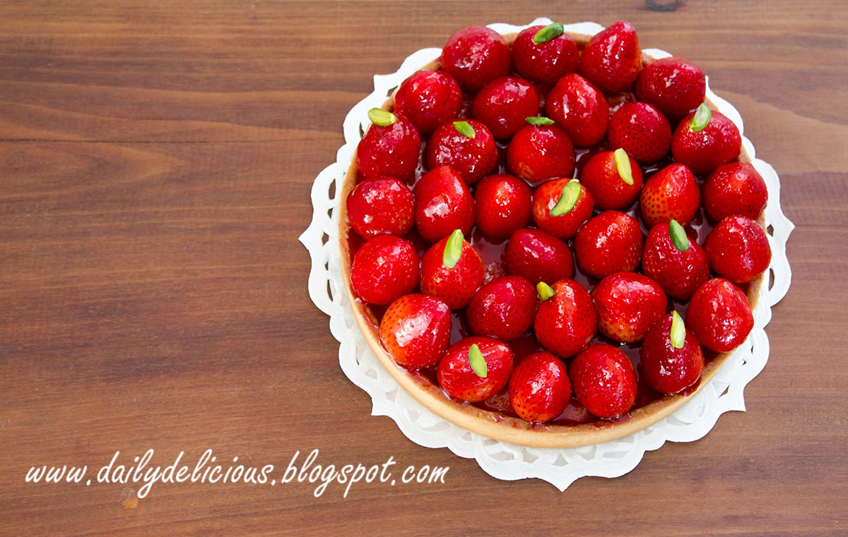 dailydelicious: Strawberry tart: Cute and fresh tart