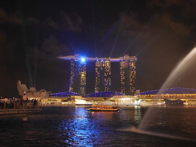 marina bay sands light show singapore