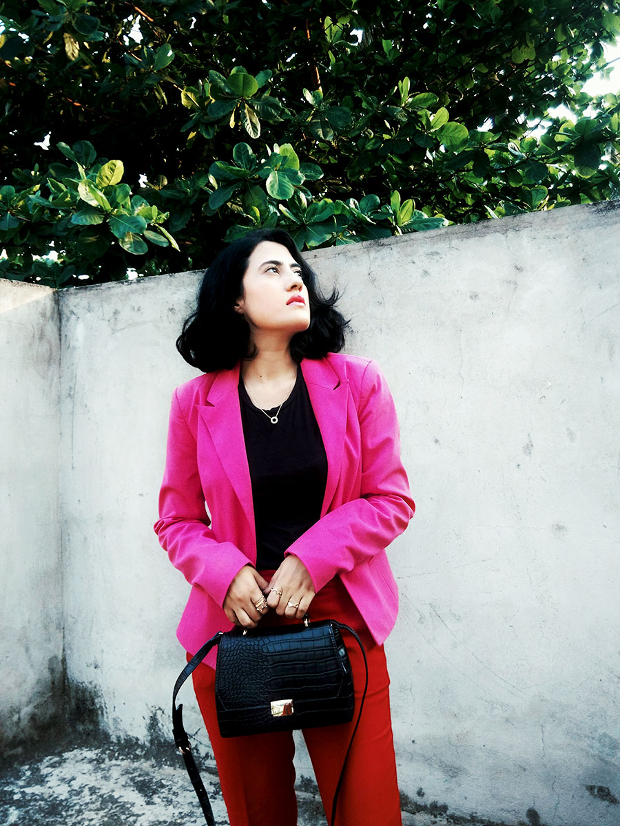 Zarablacktop,Mango Red trousers,Only pink blazer,Zarablackcitybag,Mango Boots