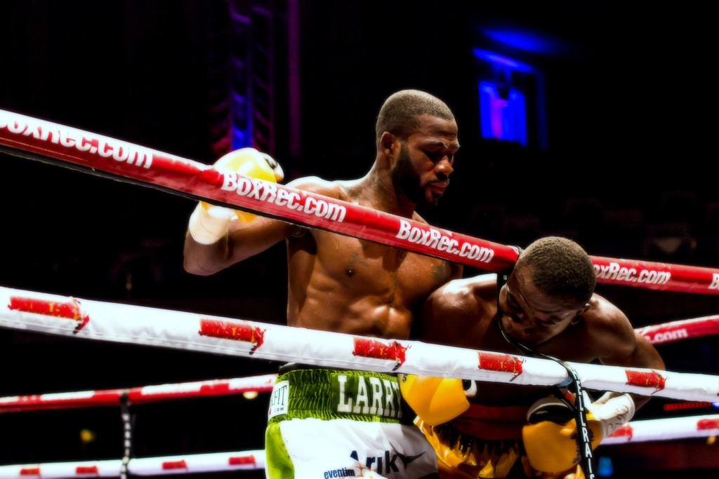 Deontay Wilder removes Dominic Brezial in the first round with a massive KO (video)