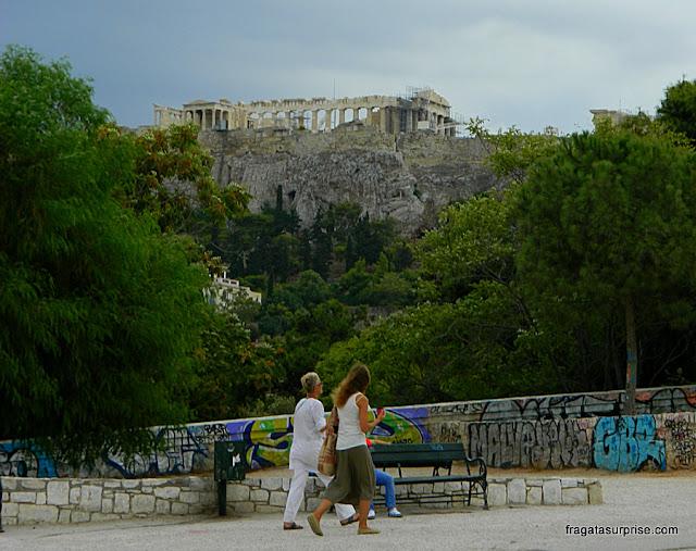 A acrópole de Atenas vista do bairro de Thisio