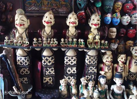Pasar Triwindu, Tempat Berburu Barang Antik di Kota Surakarta