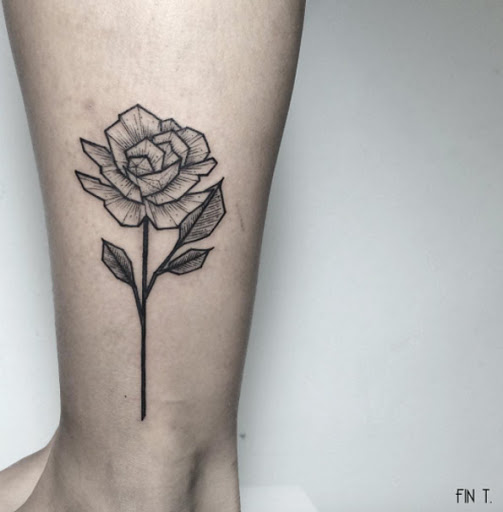 Este blackwork rose tattoo