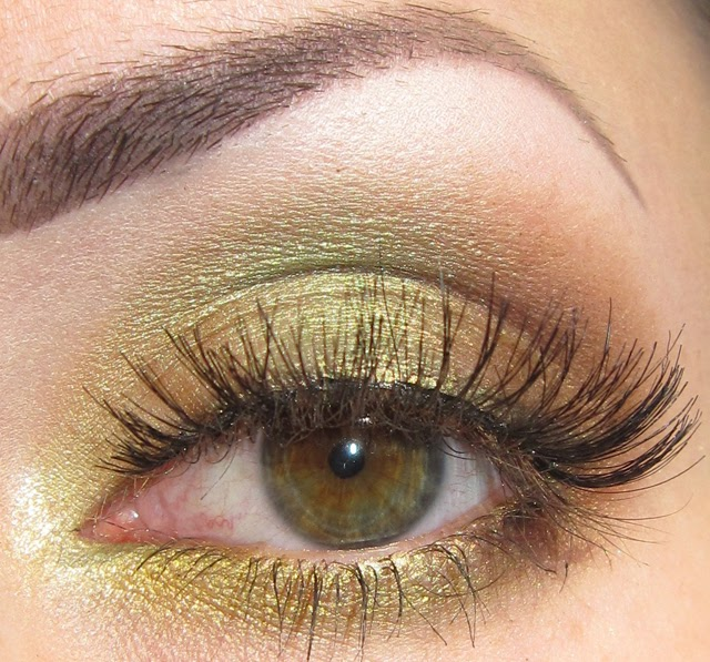 Glitter Is My Crack...: Match Your Eyeshadow To Your Eye