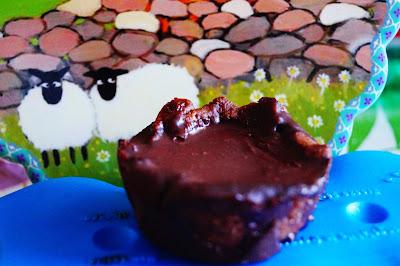 ricetta tortini vegan caramello cioccolato