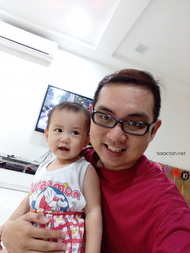 Our first selfie with the Alcatel OneTouch Flash Plus