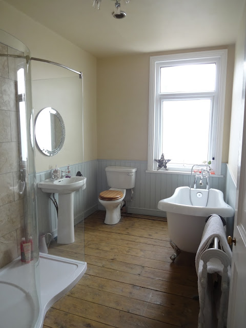 modern victorian style bathroom