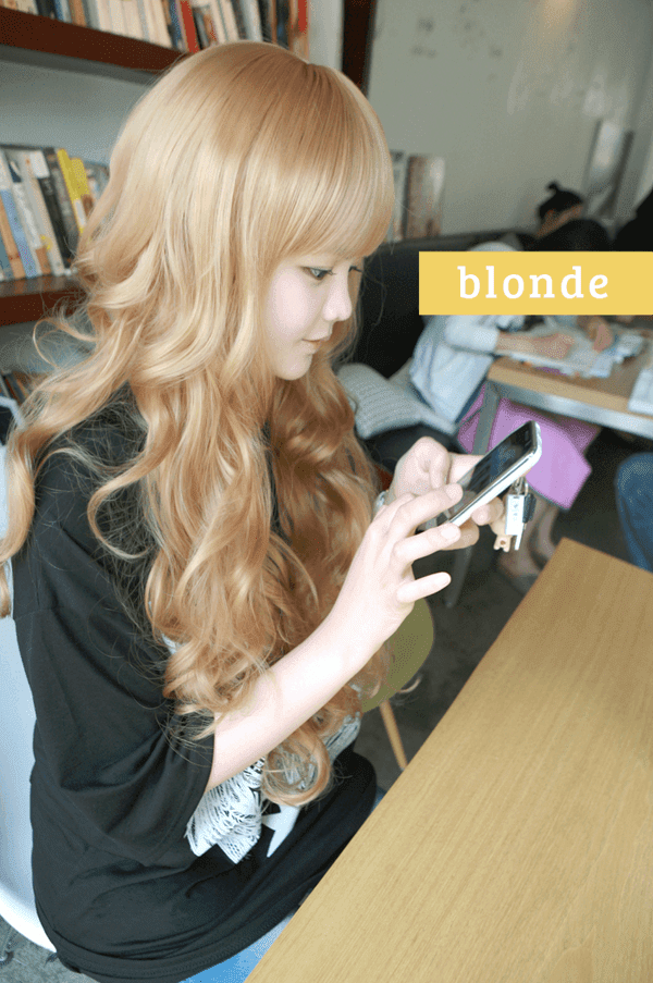 Korean Fashion Beauty Wig - Princess Alice Color Blonde Model 1