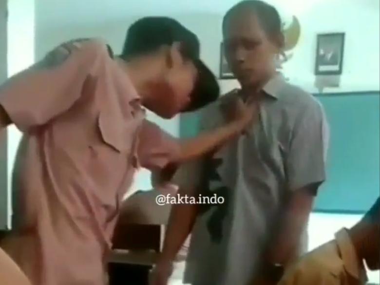 Viral Video Siswa SMP Tantang Guru di Gresik, Polisi Turun Tangan