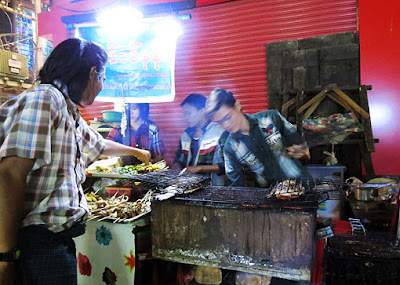 Asian street food in Chinatown at night