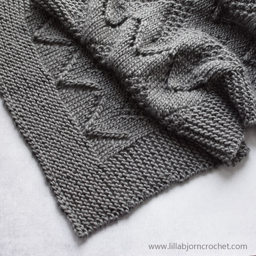 Namaste Scarf - FREE knitting pattern by www.lillabjorncrochet.com