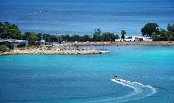 0bee134d7 Βουλιαγμένη: Μια γειτονιά που θυμίζει νησί!