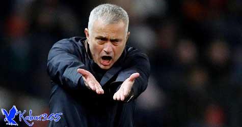 Mourinho Ingin Pemain Baru, tapi Dananya Belum Jelas