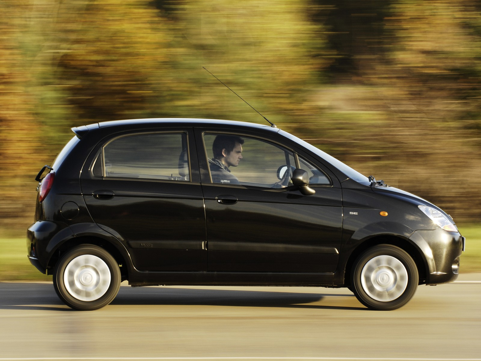 2009 chevrolet matiz wallpapers pictures specifications interiors and exteriors pictures. Black Bedroom Furniture Sets. Home Design Ideas