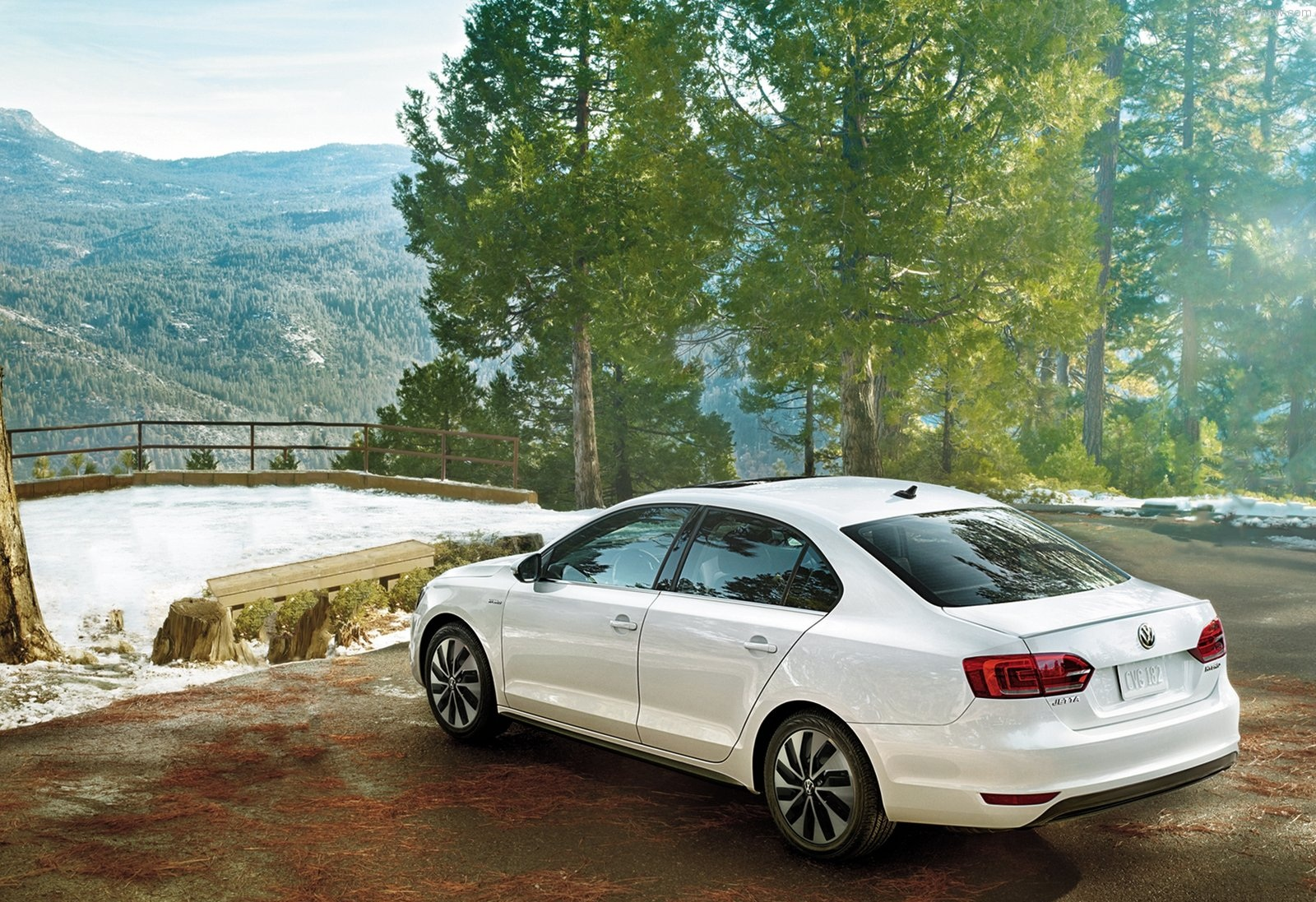 pondering cars volkswagen jetta hybrid sets world speed record Volkswagen Jetta Body Parts another difference is the tires they are much much wider on the standard model pared to the record breaking car and the final noticeable difference is