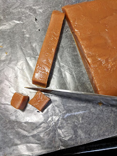 how to cut caramels