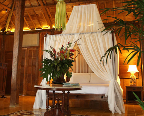 Dreamy and Romantic Full Draped Canopy Beds