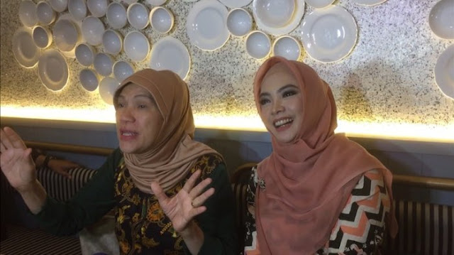 Foto Pegang Pamflet Wajah Ratna Sarumpaet Babak Balur Viral, Dorce: Demi Allah Gak Ada Sangkut Paut