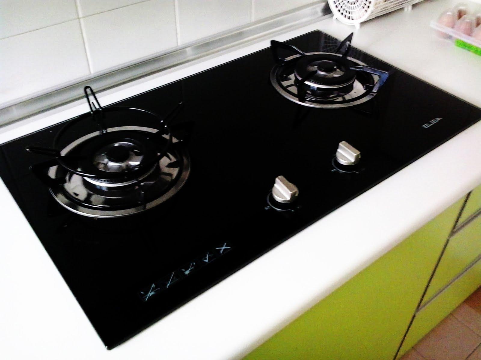 Pastel Yang Sudah Agak Kerap Diadaptasikan Keatas Rekaan Kabinet Dapurnya Dengan Terkini Bersama Gabungan Warna Terang Pastinya Suasana Dapur