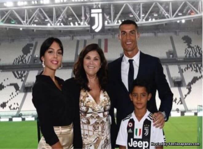 Siapa Lebih Hebat, Cristiano Ronaldo Atau Lionel Messi?