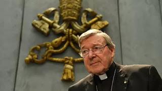 """La Santa Sede destacó que el jefe de Finanzas de la Iglesia Católica """"ha condenado repetidamente"""" los casos que han involucrado a sacerdotes"""